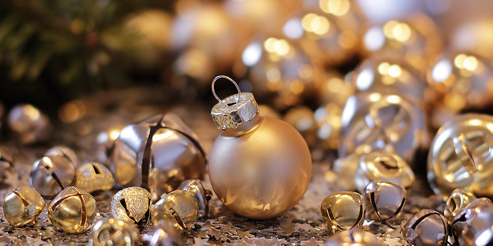can you recycle christmas decorations